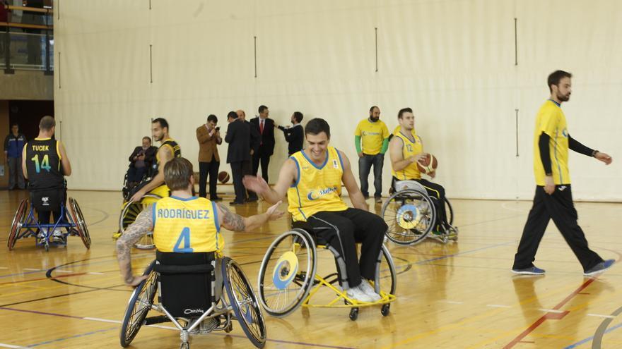 Pedro Sánchez durante el partido con el equipo de la ONCE / Foto: Inma Mesa (PSOE)