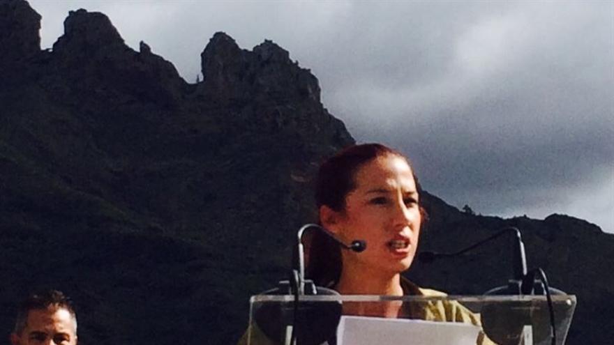 La candidata del PSOE a la Presidencia del Gobierno de Canarias en el acto de Adeje.