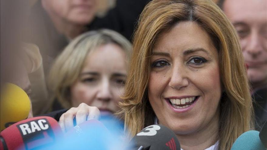 El PSOE encabeza el escrutinio con 50 diputados, con el 43,3 por ciento