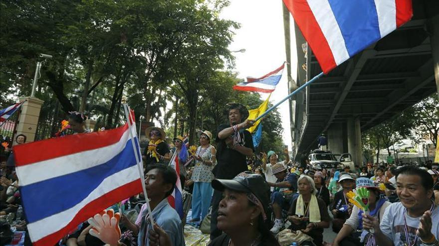 La oposición tailandesa se suma a las manifestaciones contra el Gobierno