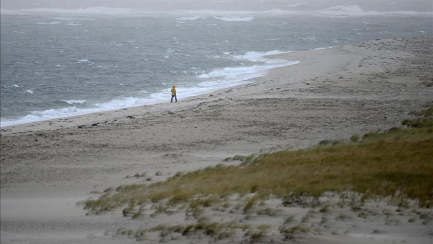 """Kate se degrada a tormenta """"postropical"""" en el norte del Atlántico"""