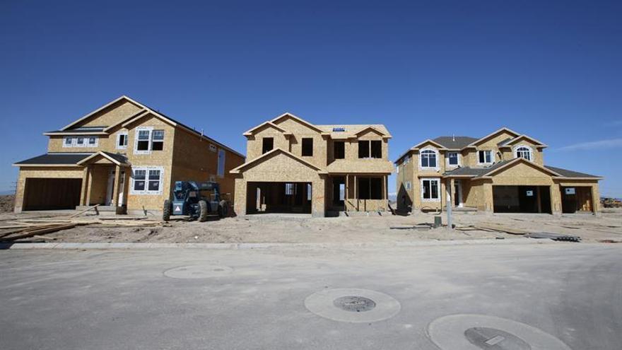 La construcción de casas nuevas en EE.UU. bajó un 6,8 % en marzo