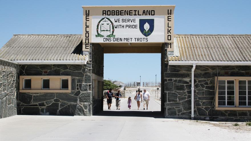 Entrada del Penal de Robben Island, lugar donde estuvo preso Nelson Mandela. April Killingsworth