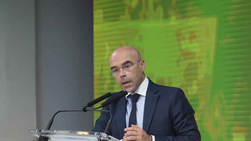 El vicepresidente de Acción Política y eurodiputado de Vox, Jorge Buxadé, ofrece una rueda de prensa