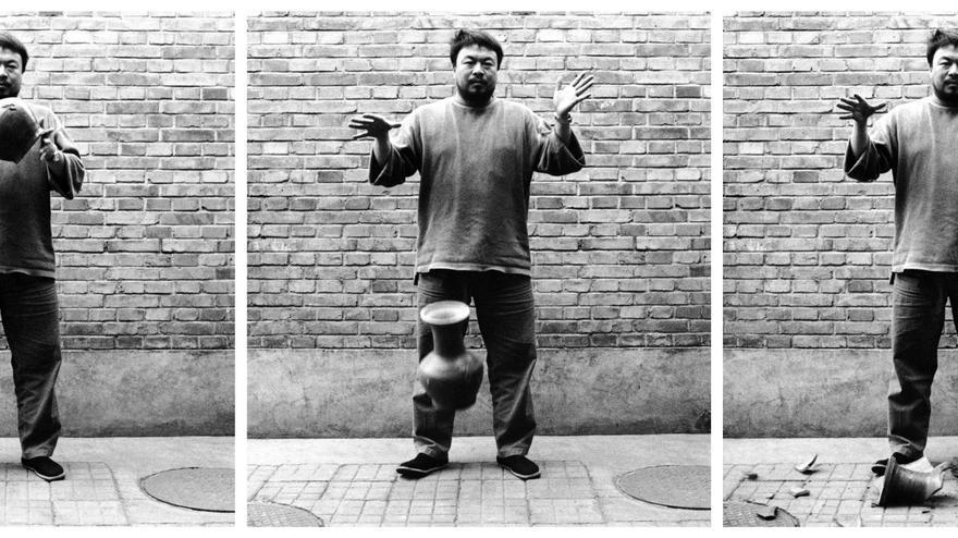 Ai Weiwei 'Dropping a Han Dynasty Urn' (1995)
