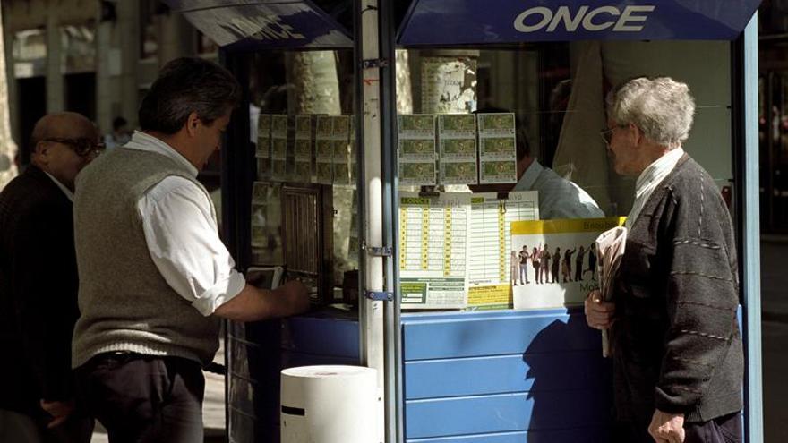 CCOO denuncia la pérdida de 4.100 empleos en la ONCE por la venta externa del cupón