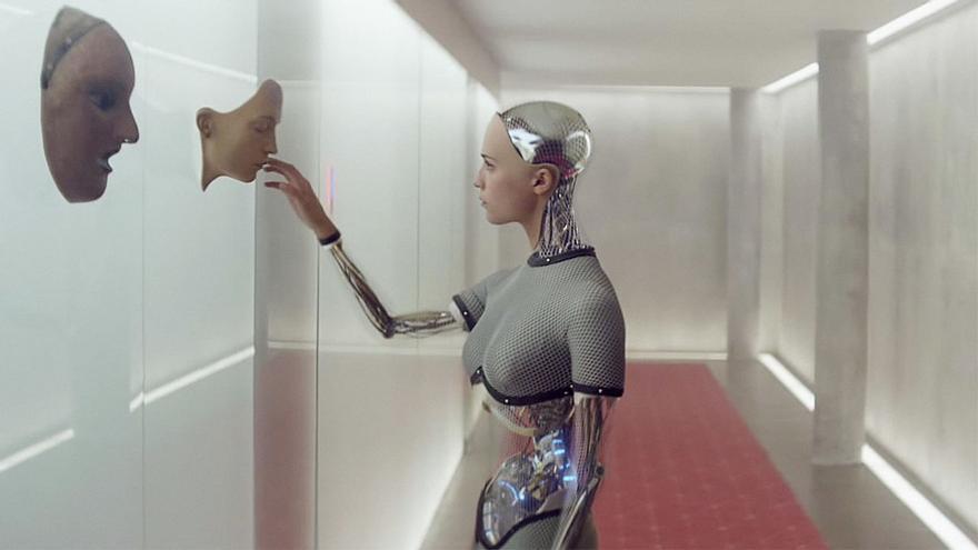 Ava, la protagonista robótica de 'Ex Machina', puede hablar como los humanos