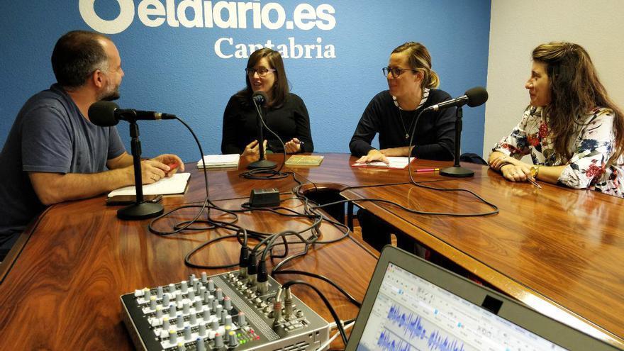 David Gutiérrez, Noemí Gómez, María Grijuela y Adriana Sanjurjo durante la grabación del programa.   ANDRÉS HERMOSA