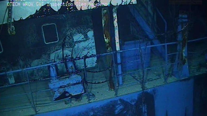 Los dos robots submarinos que sellarán el buque hundido llegan a Gran Canaria
