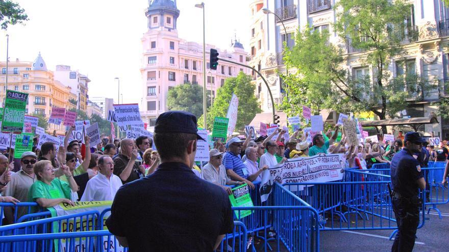 "Manifestantes en la ""Barbacoa Destituyente"""