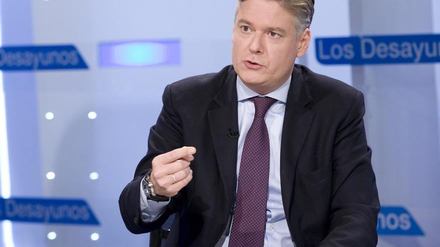 """El secretario general del PPE pide al futuro líder del PSOE que vuelva al consenso europeo que """"abandonó"""" Pedro Sánchez"""