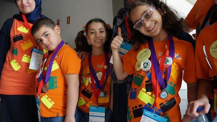 Uno de los equipos participantes en First Lego League, en el Recinto Ferial de Tenerife / EP