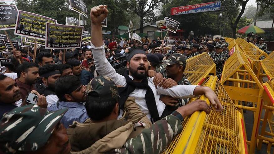 Protestas y restricciones en la Cachemira india tras el atentado suicida