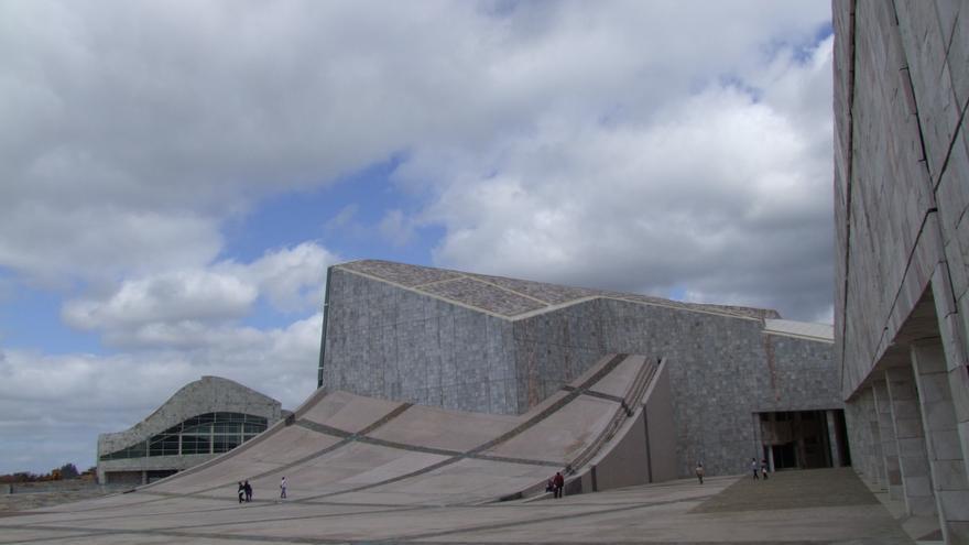 Vista del edificio de la biblioteca de la Cidade da Cultura