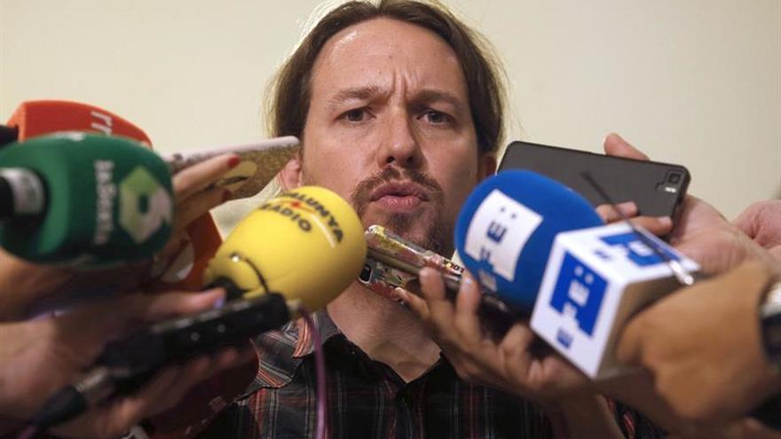 Podemos avisa al PSOE de que no dará un cheque en blanco para un gobierno en solitario