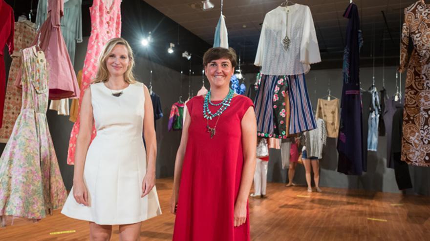 Beatriz Lucea y Ana Usieto, comisarias de la exposición Moda XX ZGZ.