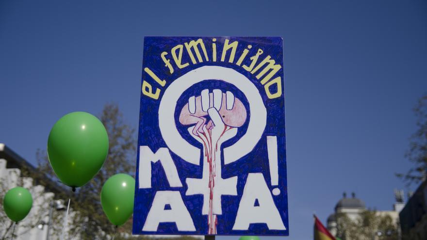 Uno de las pancartas de la manifestación antiaborto