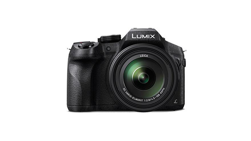 Compacta Lumix FZ300 de Panasonic.