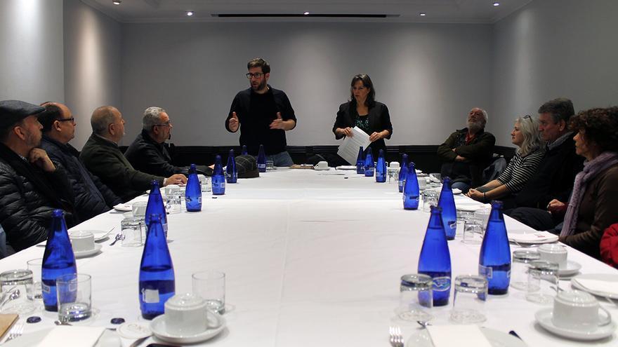 Reunión de la delegación europea con asociaciones memorialistas andaluzas. | JUAN MIGUEL BAQUERO