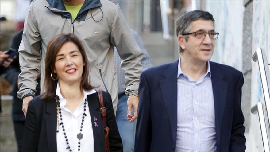 """Patxi López (PSOE) anima a votar para construir """"una sociedad decente"""""""