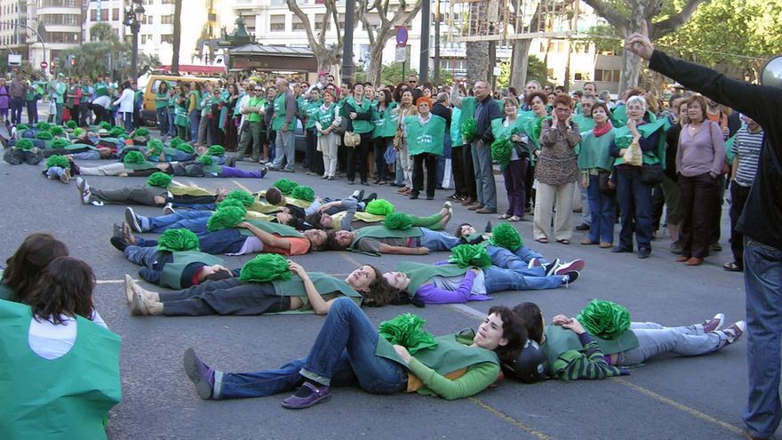 Una protesta de Salvem el Botànic frente al ayuntamiento de Valencia
