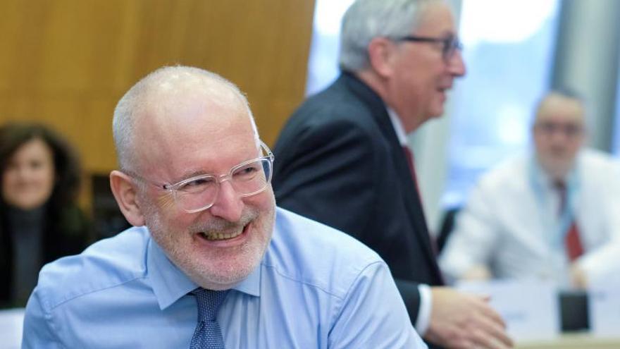 El candidato socialista a la CE y número dos de Juncker reprueba el acuerdo con Vox
