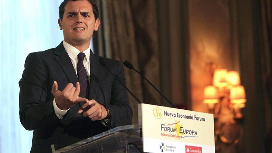 """Rivera avisa a Mas de que con la """"democracia no se juega"""""""