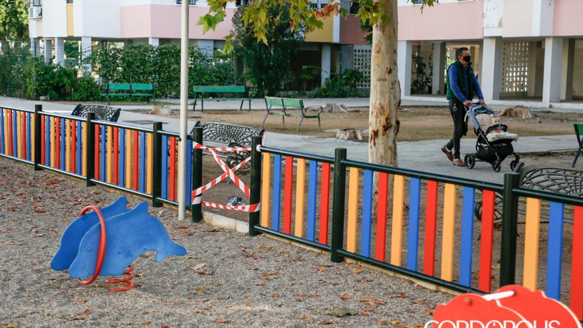 Imagen de archivo de una zona de juegos infantiles de Córdoba.