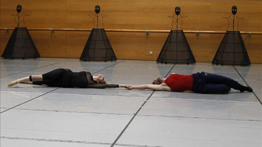 """La CND lleva al Teatro Real una versión """"acrobática"""" de """"Romeo y Julieta"""""""