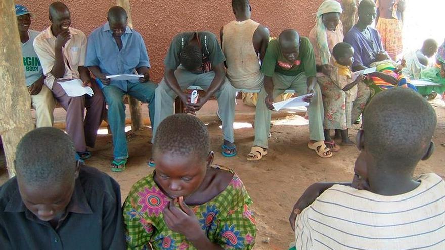 El número de refugiados sursudaneses en Uganda supera el millón, según ACNUR