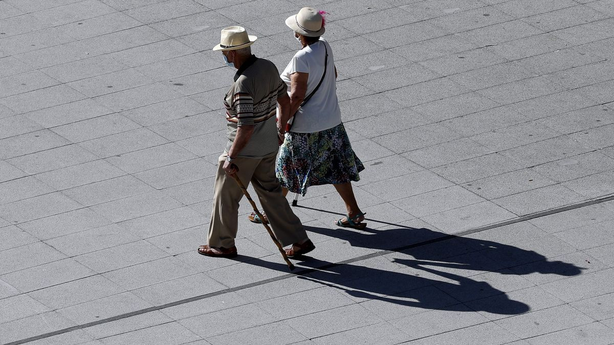 Dos pensionistas en Bilbao.