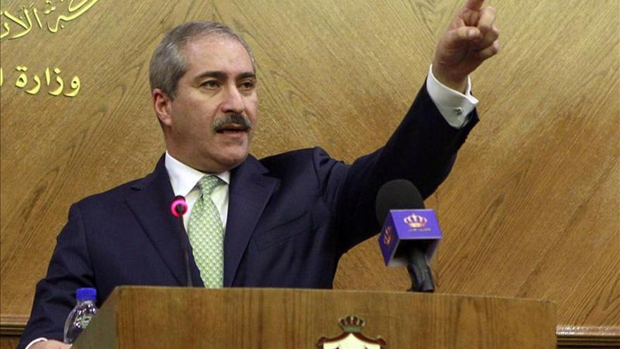 El Gobierno interino sirio se hará por compromiso de las partes, según Hague