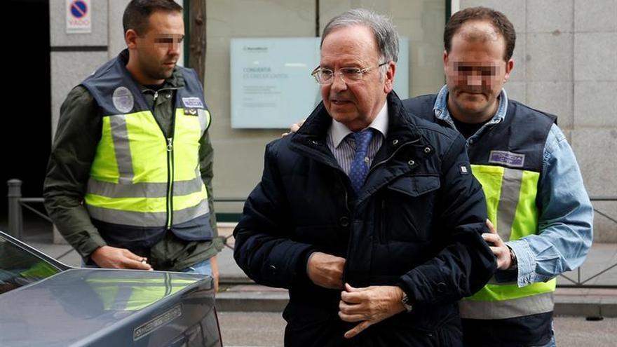 Bernard y Pineda se aliaron para denunciar a Rajoy por una póliza sanitaria