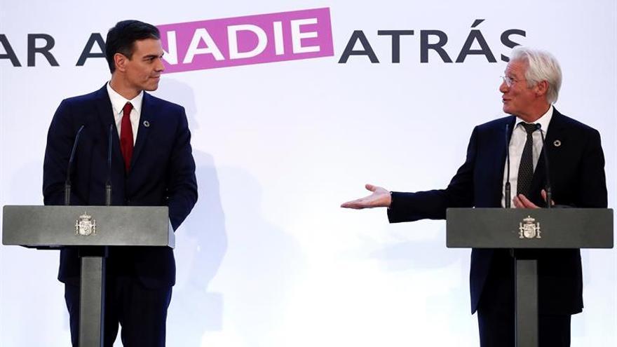 Pedro Sánchez en su comparecencia junto a Richard Gere.