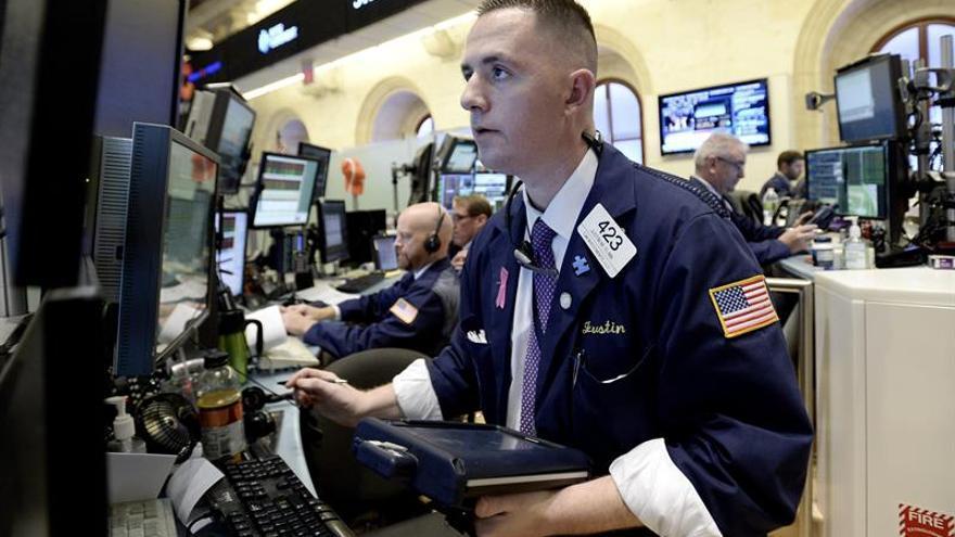 Wall Street abre a la baja y el Dow Jones cede un 0,02 %