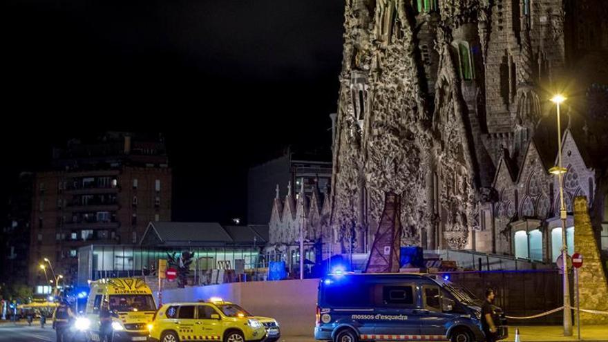 Una falsa alarma antiterrorista obliga a acordonar el entorno de la Sagrada Familia