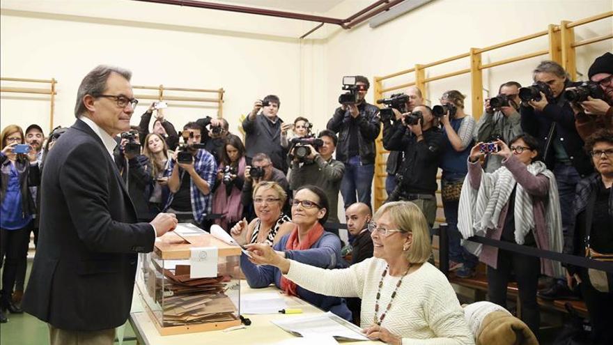 """Mas llama a votar """"en plena consciencia"""" del momento """"decisivo"""" de Cataluña"""