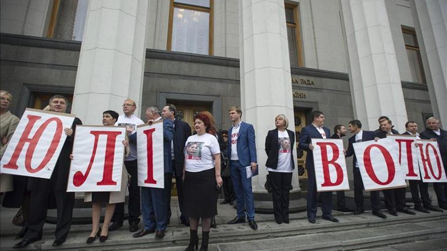 El Parlamento ucraniano estudiará hoy si deja a Timoshenko viajar a Alemania