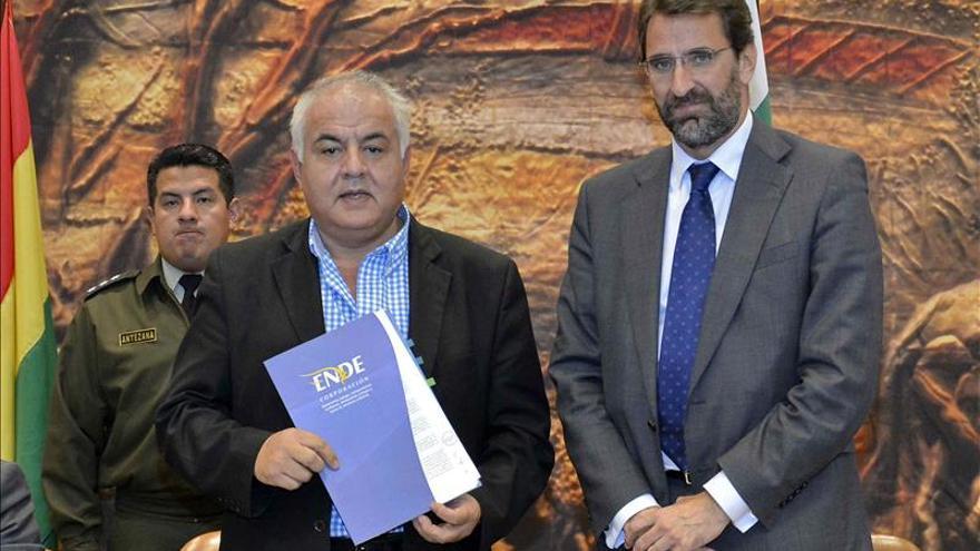 Bolivia cierra un capítulo de las nacionalizaciones con un acuerdo con la REE