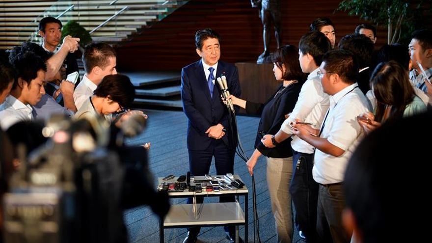 """Abe dice que Japón """"nunca tolerará"""" las peligrosas provocaciones de Pyongyang"""