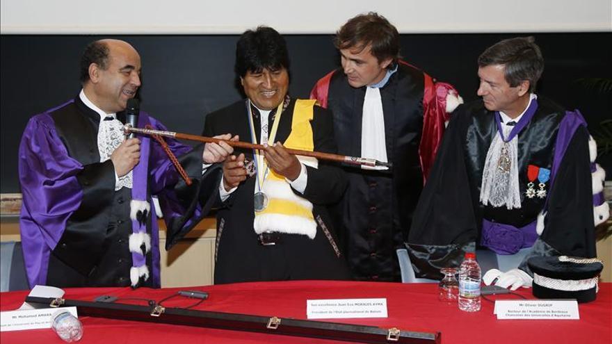 """Morales, investido doctor """"honoris causa"""" por la Universidad francesa de Pau"""