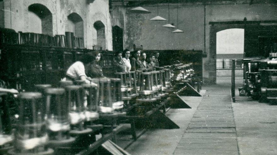 Trefilería de Las Forjas de Buelna. | Archivo Paulino Lagunillo / Desmemoriados