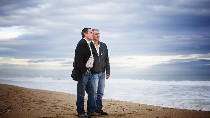 Ramón y David llevan cinco años esperando que les concedan la adopción. Foto: Carmen Secanella.