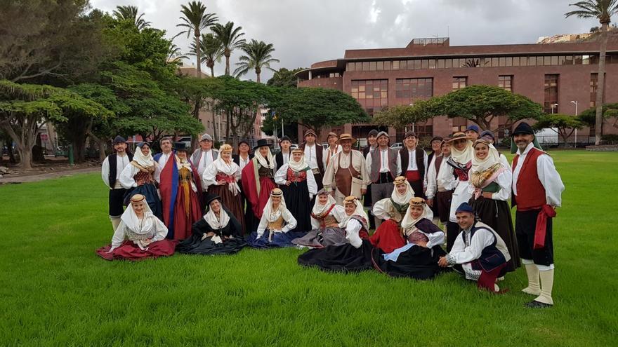 Agrupación folclórica Tuhoco. Foto: JOSÉ AYUT.