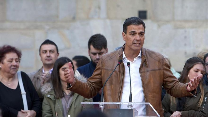 """Sánchez reitera su compromiso con la minería, """"absolutamente desmantelada"""""""