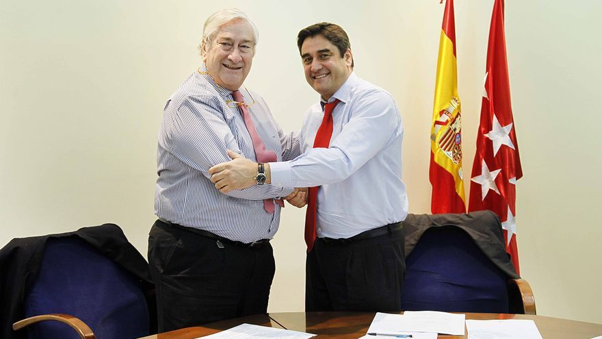 Consejeros de Sanidad de Madrid y Castilla-La Mancha en noviembre 2014