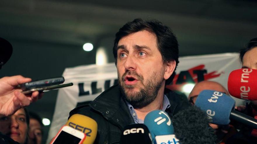 El exconseller huido inaugura telemáticamente un congreso en Girona