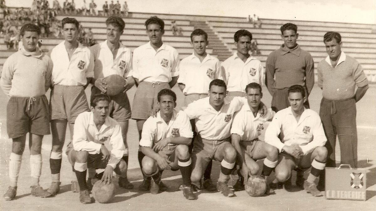 Equipo del CD Tenerife de 1951.