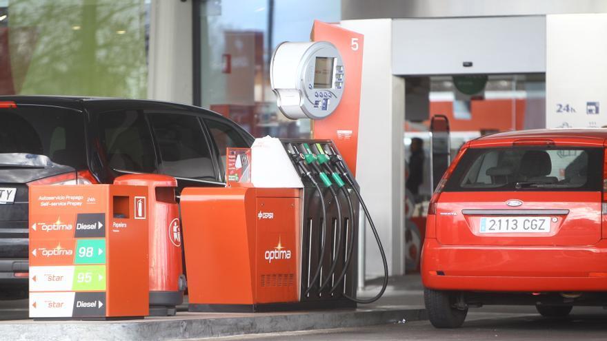 """AOP dice que el precio del carburante es """"justo"""" y que las petroleras """"sufren la crisis como todos"""""""
