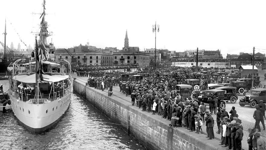 Fotografía de la muestra 'Puerto de Montevideo, motor de la vida de la ciudad (1887-2014)'